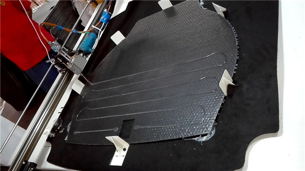 贵州全自动汽车地毯喷胶机