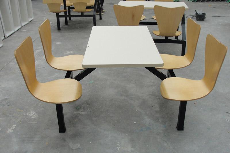 曲木餐桌椅