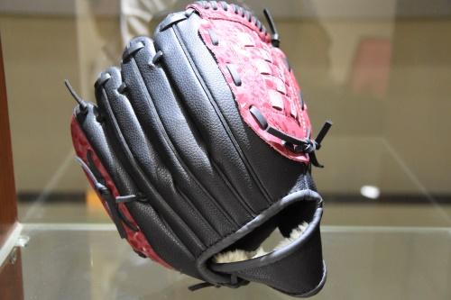 棒球手套皮革