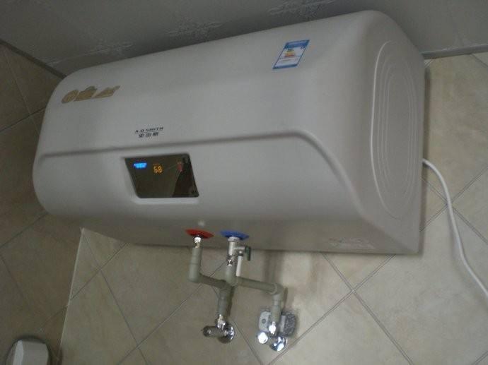 维修电热水器
