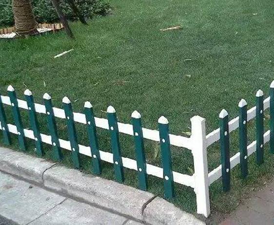 pvc草坪栅栏