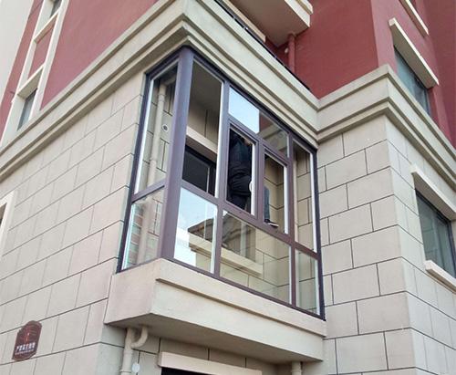 封阳台安装