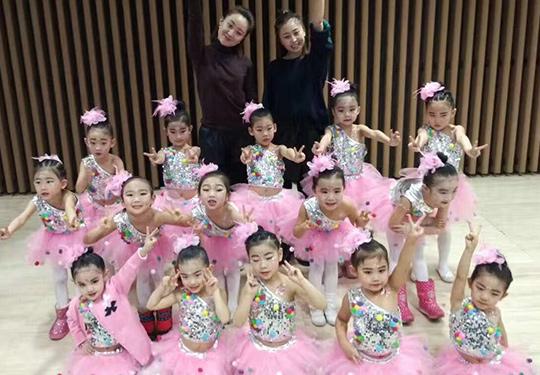 哈爾濱民族舞培訓學校