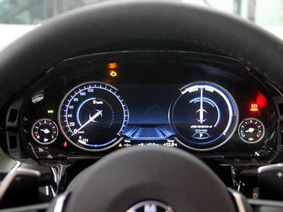 汽车液晶仪表盘