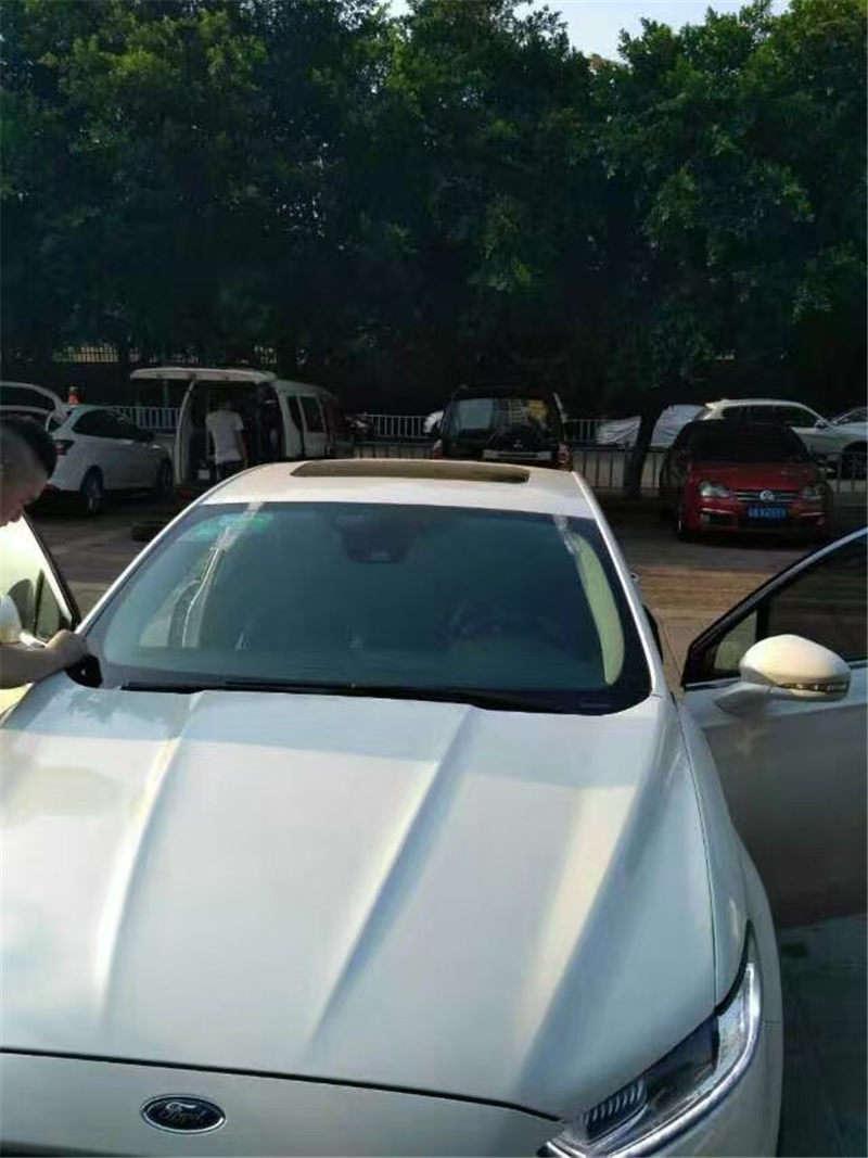 汽车镀膜玻璃安装