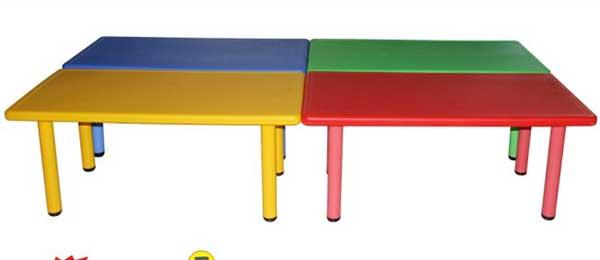 塑料长方形桌子