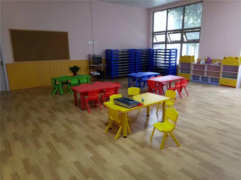 安顺幼儿园桌椅