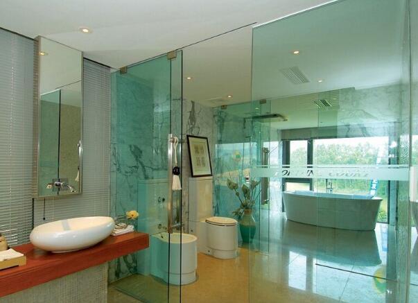 衛生間玻璃隔斷牆
