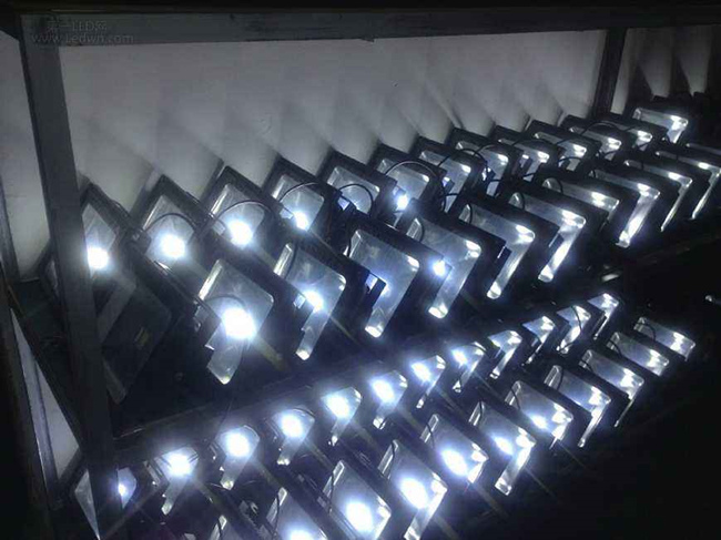 LED泛光灯型号