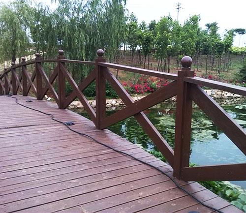 都匀防腐木护栏