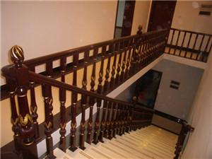 家用实木楼梯