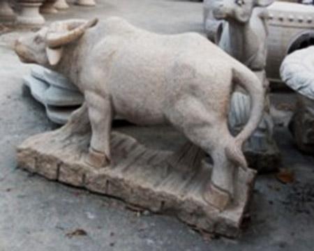 天津兴仁艺术雕像