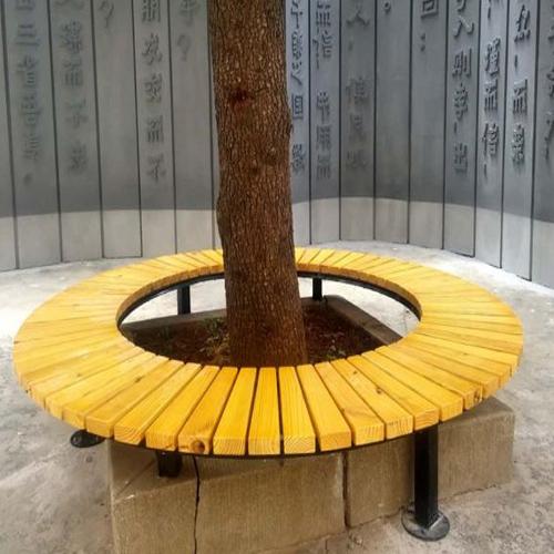 树木围椅子