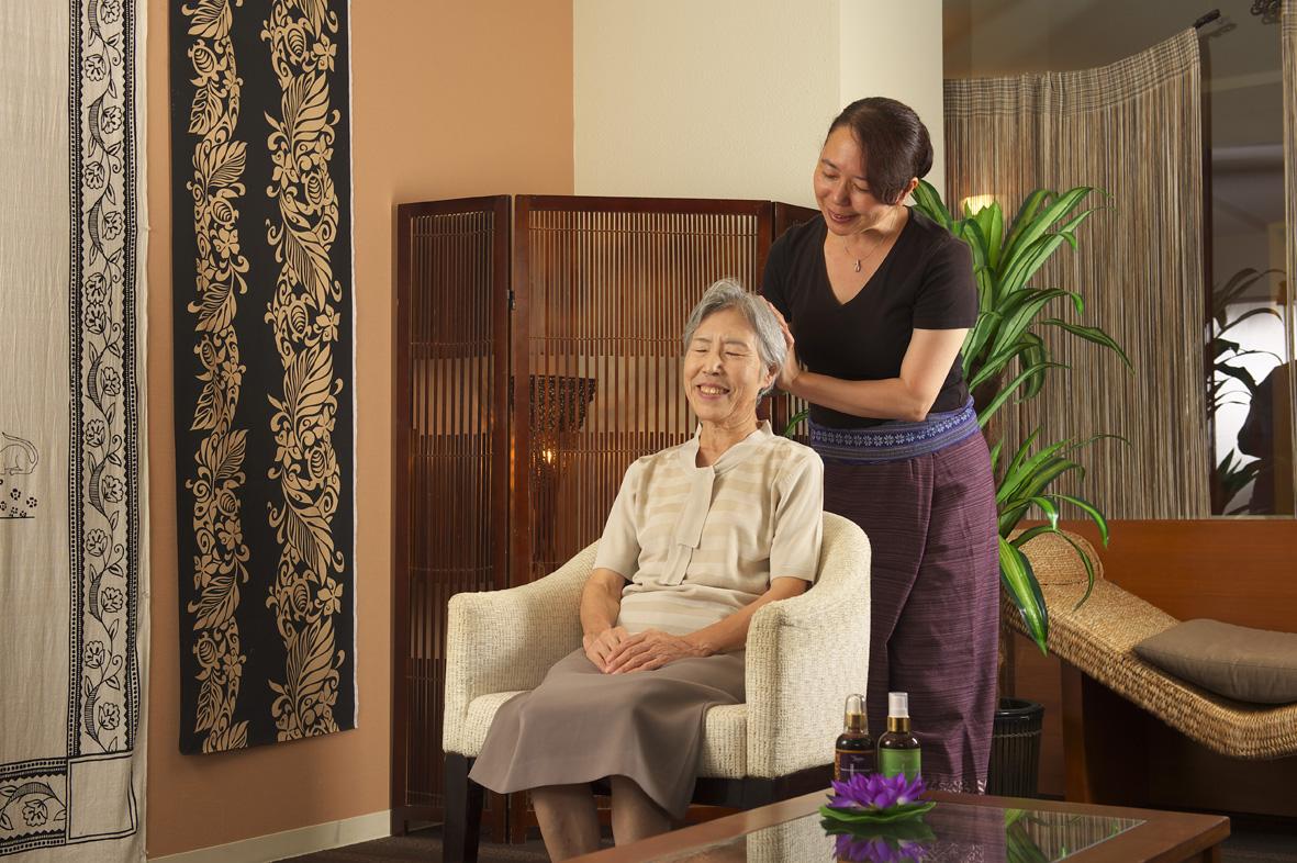 成都失能老人的护理环境