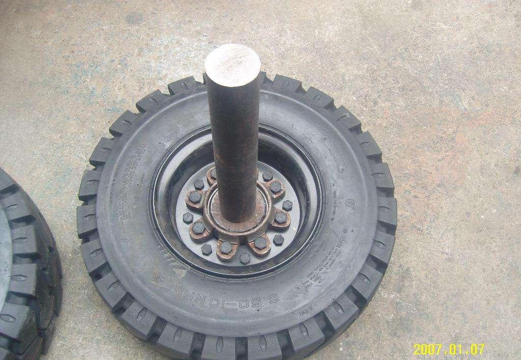 叉车轮胎配件