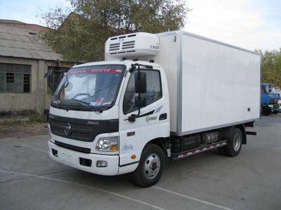 福田欧马可肉挂海鲜冷藏车(康机2.8)