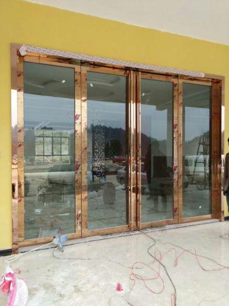 钛金板边框门保养