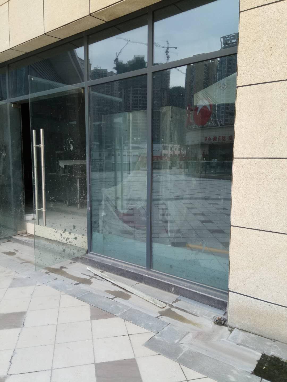滑动玻璃门