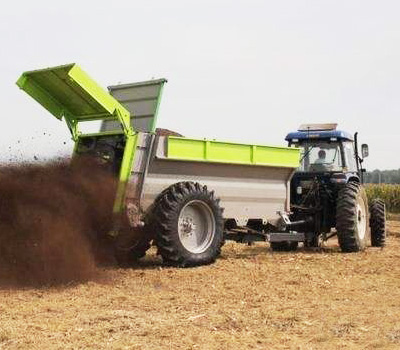 農業撒糞車