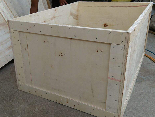 军用木包装箱