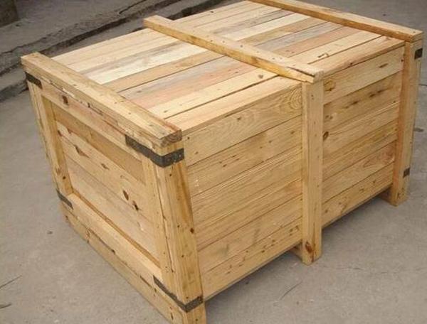 木制包装箱
