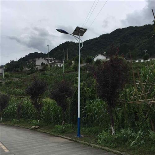 成都太阳能路灯哪家好