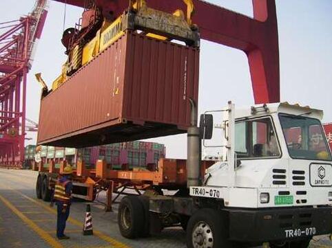 虎门港码头拖车