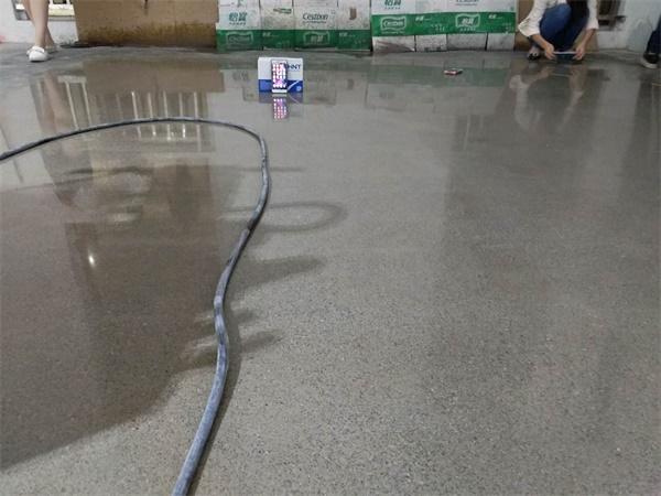 硬化剂染色地坪工程