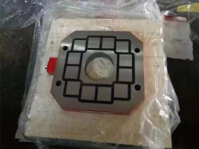 小型电永磁吸盘