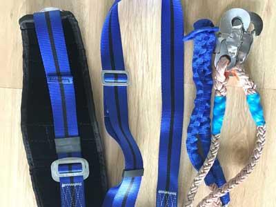 蓝色双保险安全带