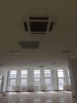 东胜广场A座B座海尔商用大多联室内嵌入机(1)