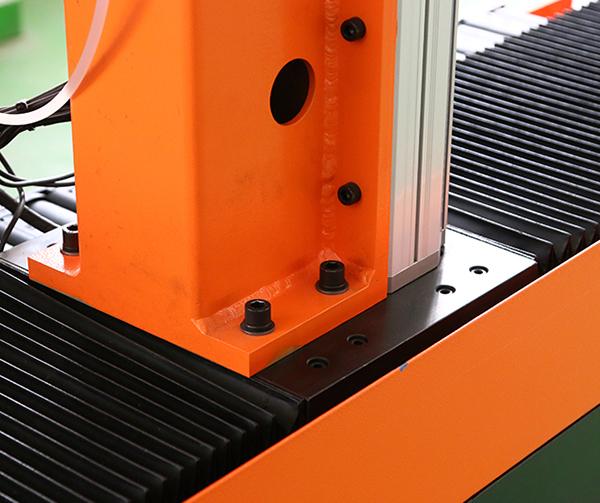 智能四轴焊接机器人