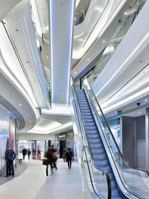 贝博app手机版商场扶梯