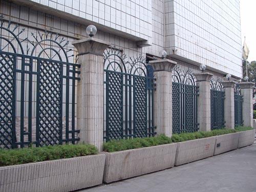 铁艺护栏安装