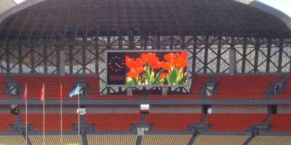 某体育场馆室外P6全彩LED显示屏