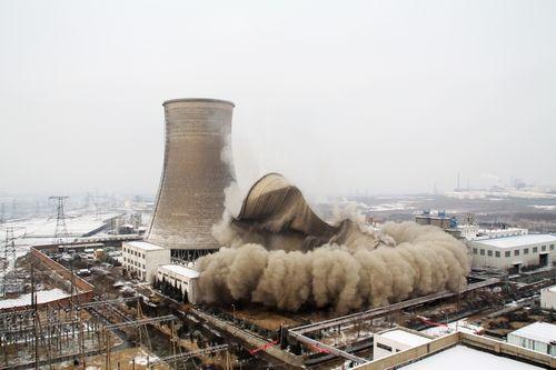 電廠冷卻塔拆除