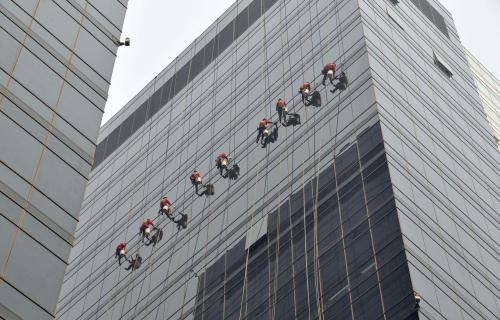 蜘蛛侠大厦外墙清洗