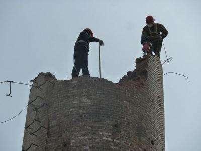 60米人工磚煙囪拆除