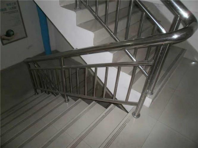 不锈钢楼梯www.5197.com