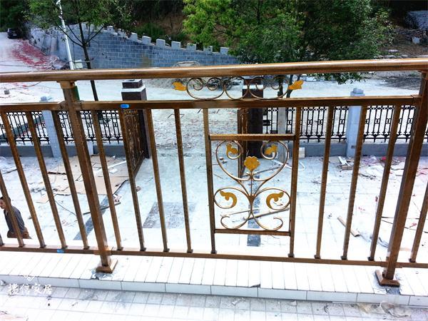 锌钢护栏多少钱一米