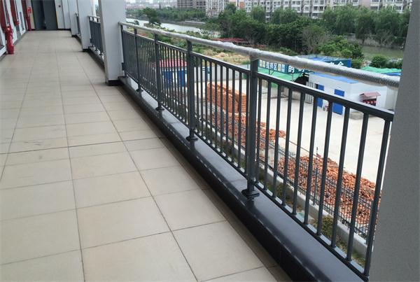 武汉锌钢阳台护栏厂家