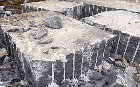青石矿山石开采