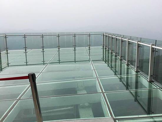 玻璃栈道安全施工