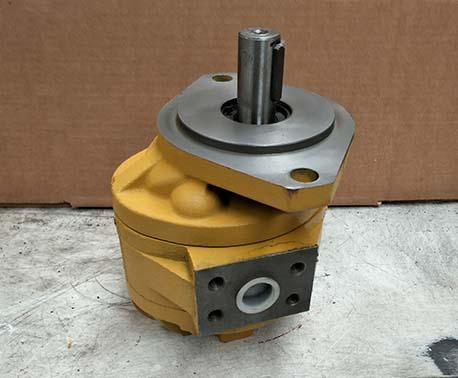 小型装载机油泵