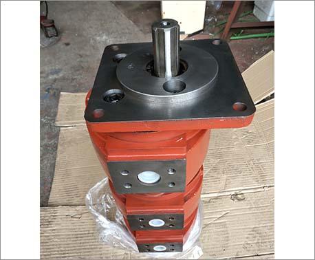 高压三联油泵
