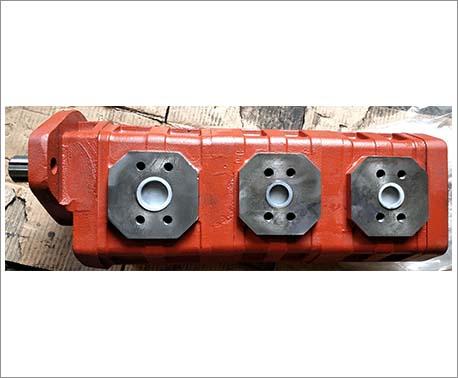 三联齿轮油泵