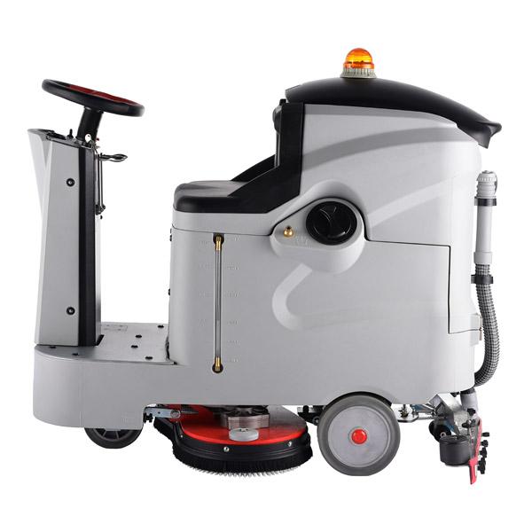 驾驶型洗地车