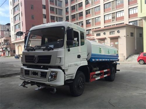 东风专底8吨14立方洒水车