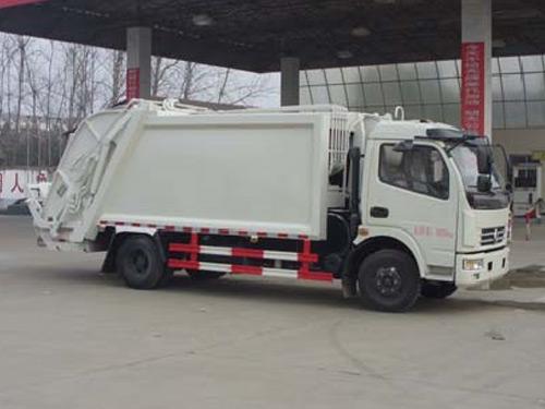 4吨压缩式垃圾车