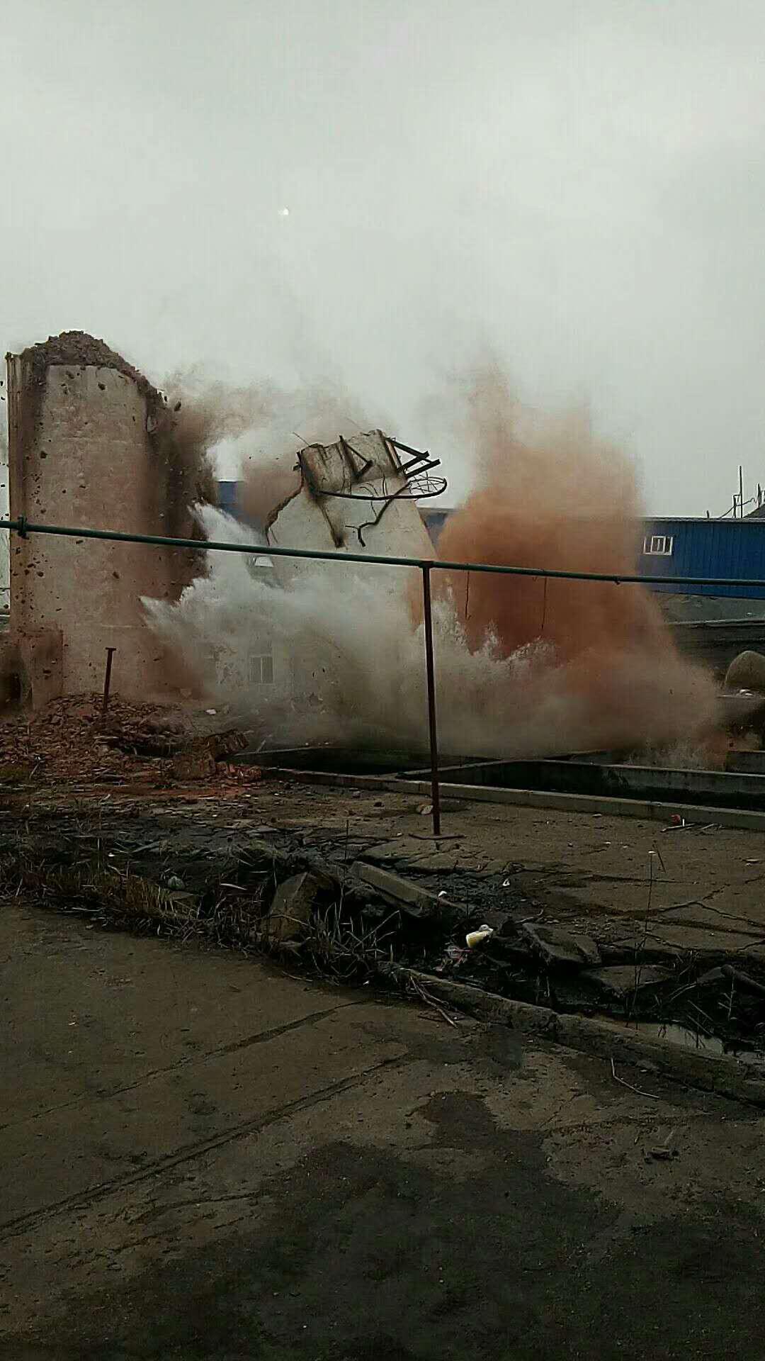 盐城砖烟囱拆除